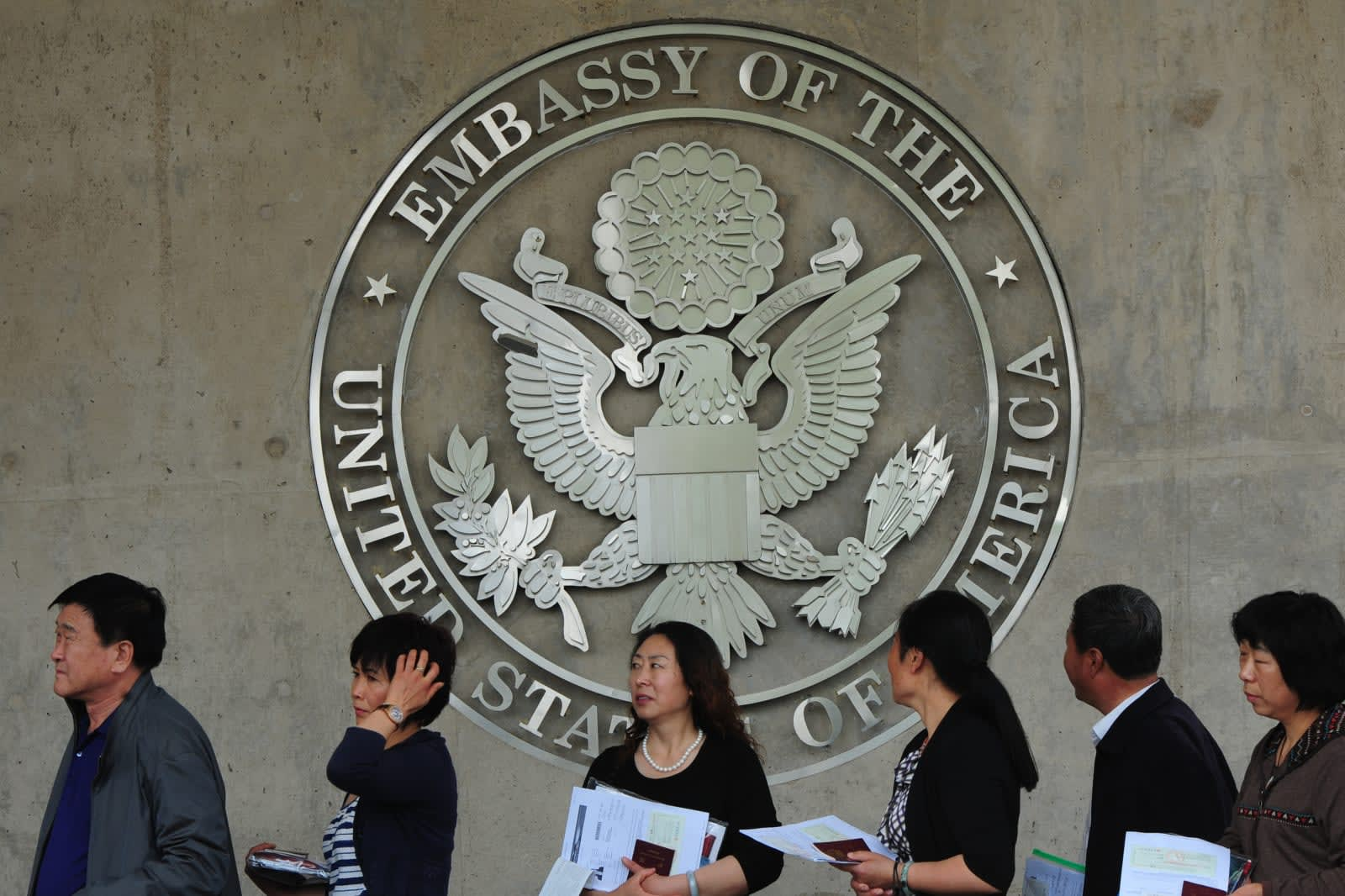 US Requires Social Media Details on Most Visa Applications