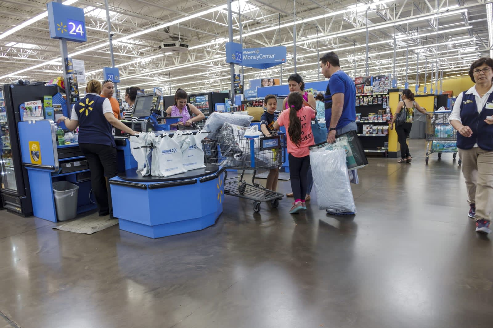 Walmart uses AI camera tech to track checkout theft at 1,000 stores