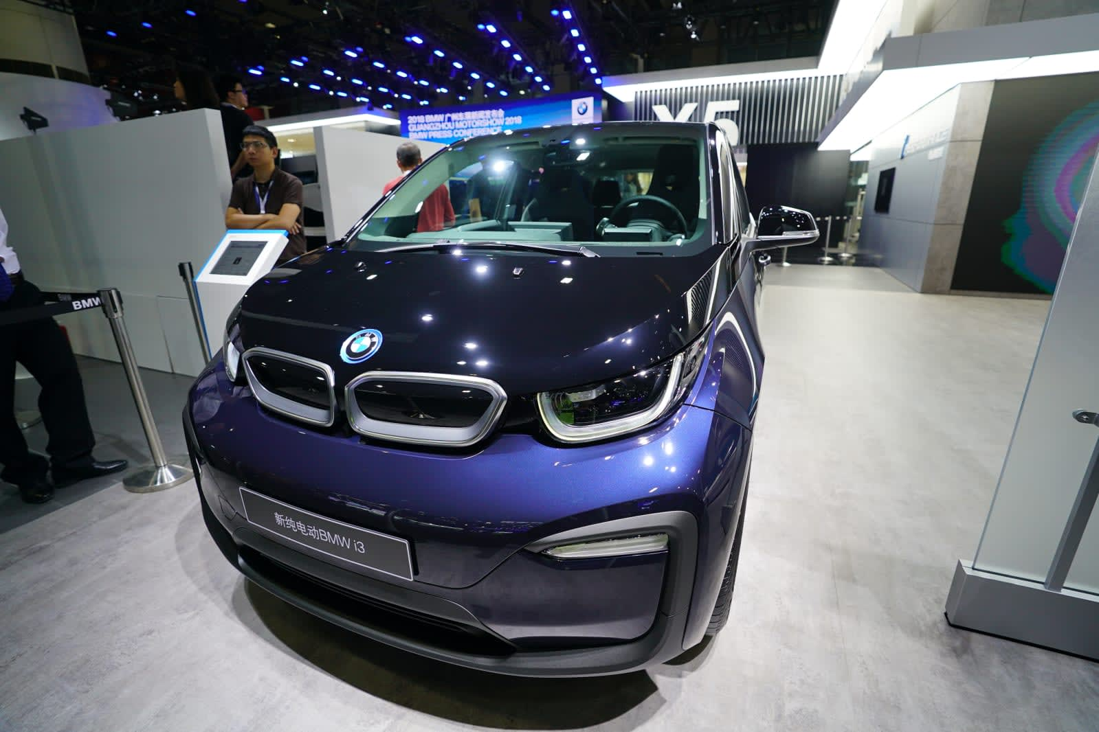 Is A Bmw A Foreign Car >> Bmw Will Be The First Foreign Car Maker To Offer Ride