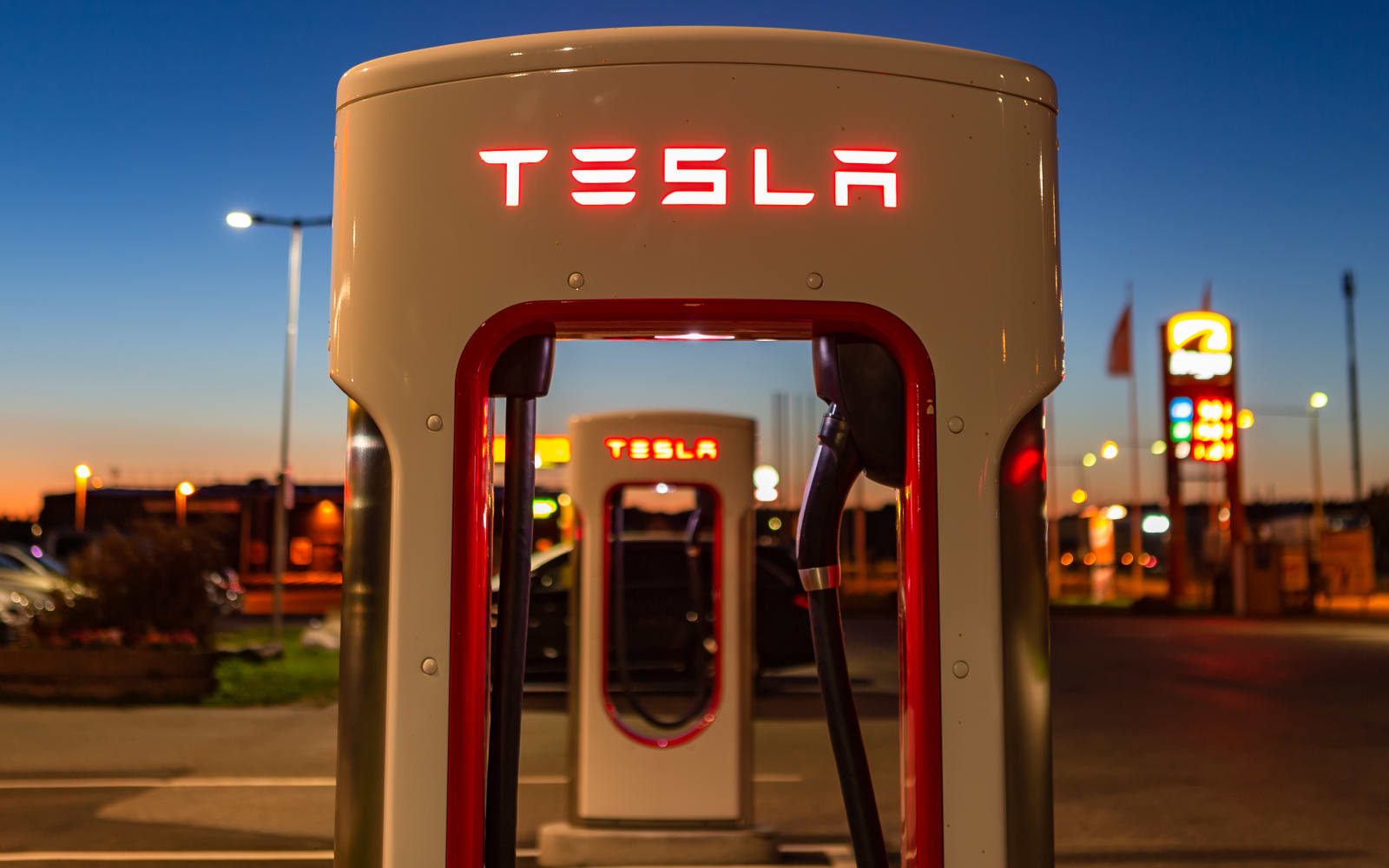 Tesla warns California customers to charge their EVs ahead of outages