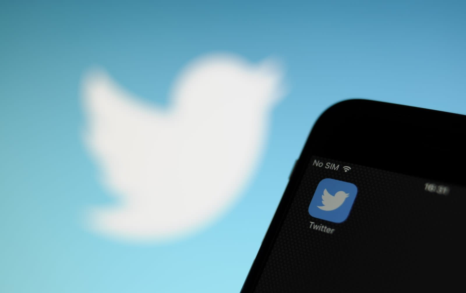 Twitter security flaw uses text spoofing to hijack UK accounts