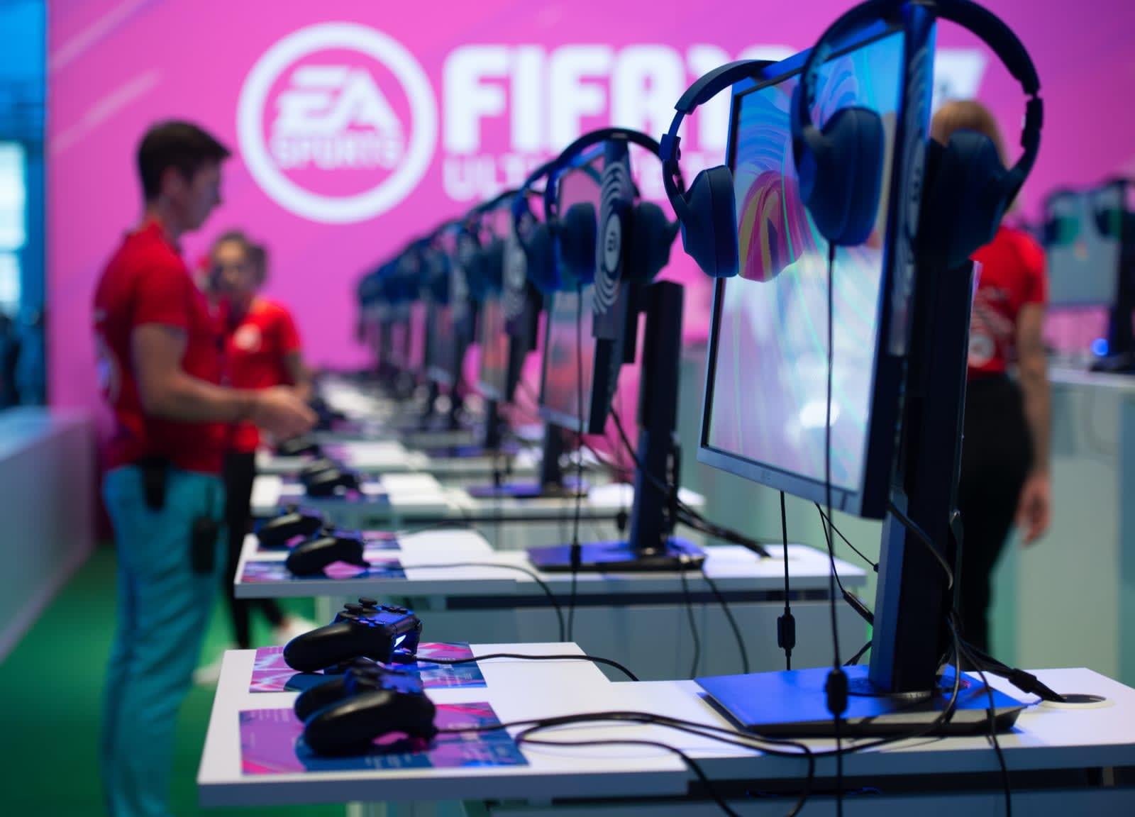 EA announces 'FIFA 19' PS4 esports tournament