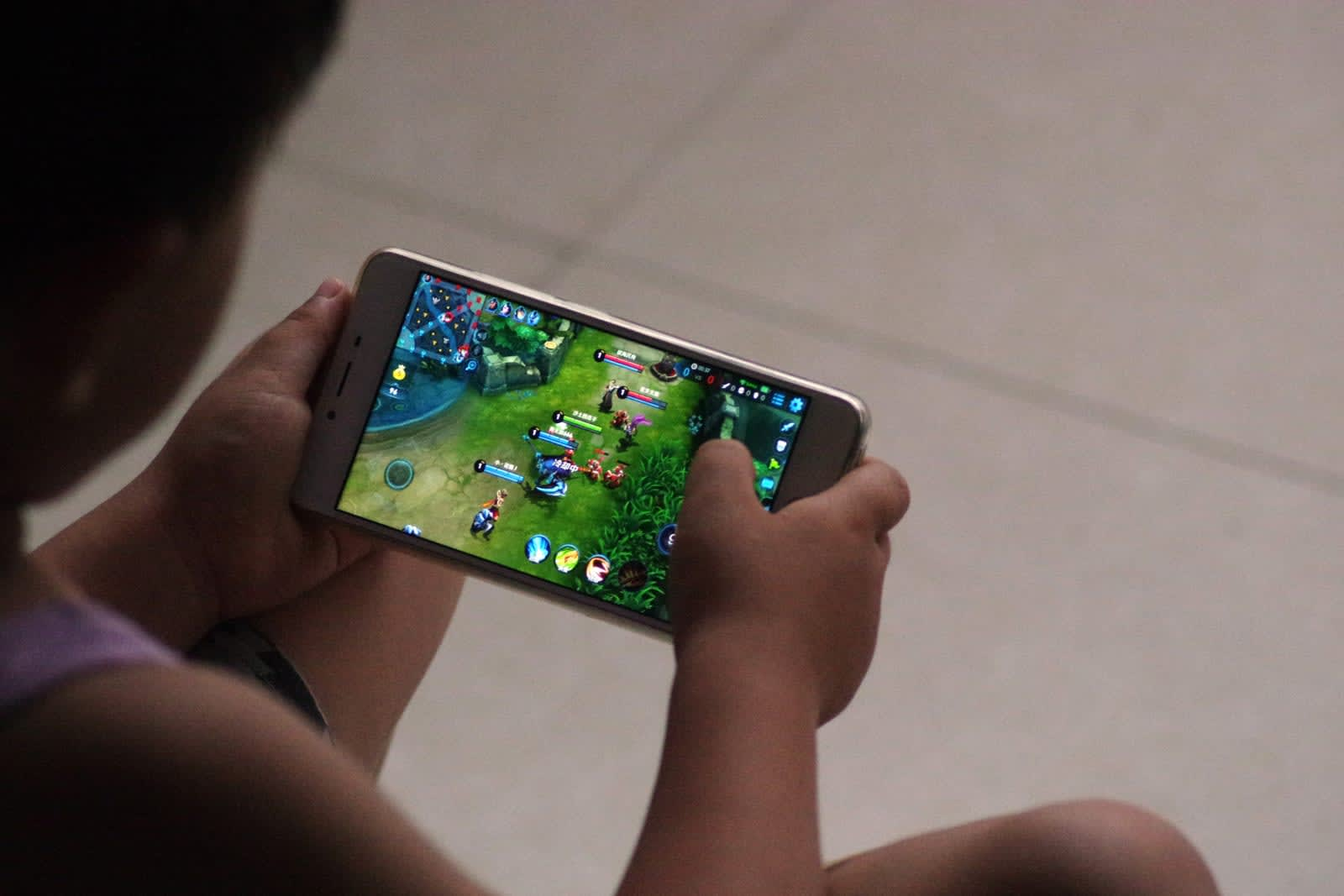 Tencent games will verify IDs to limit playing time for children