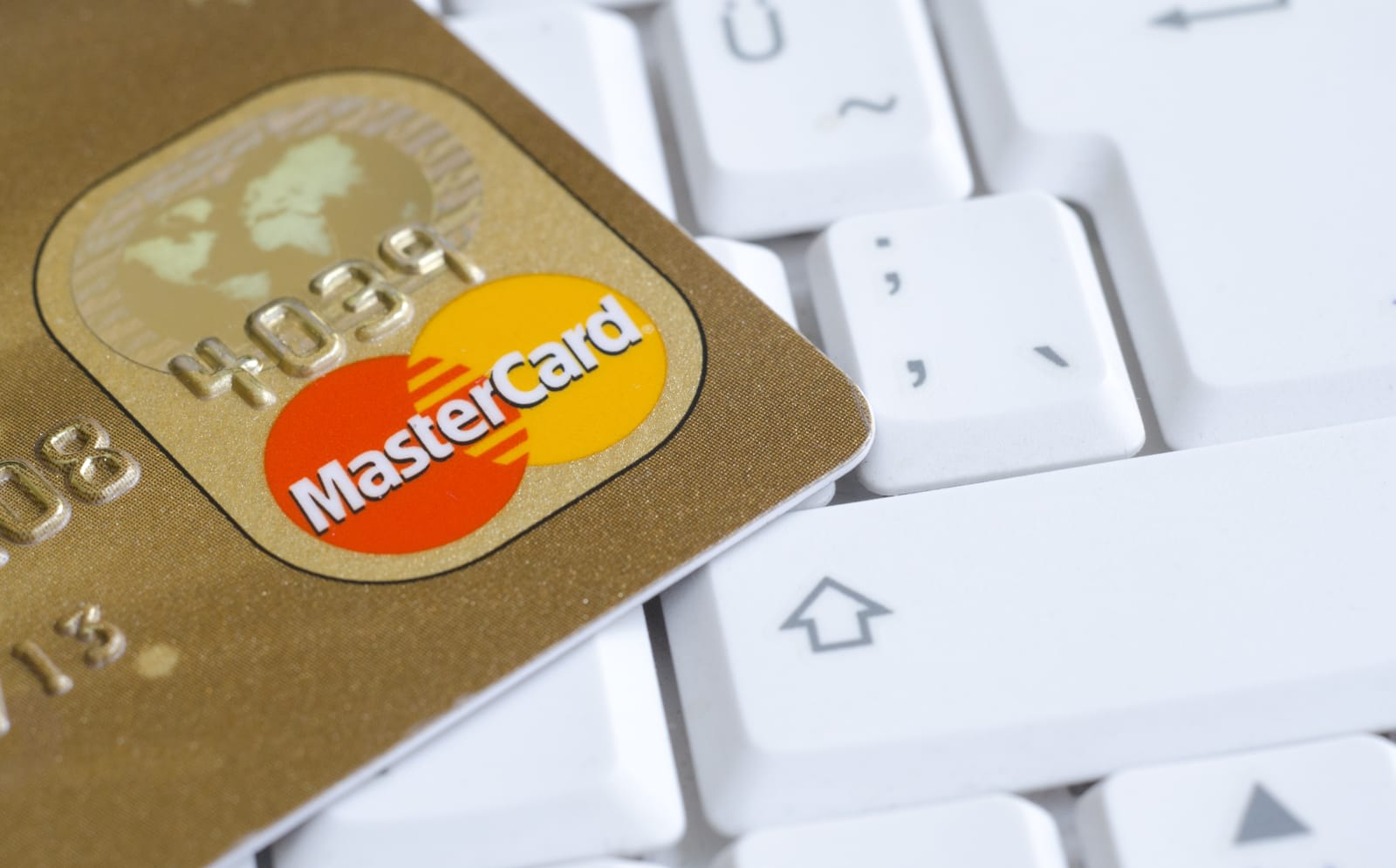 Google and Mastercard reportedly teamed up to track offline