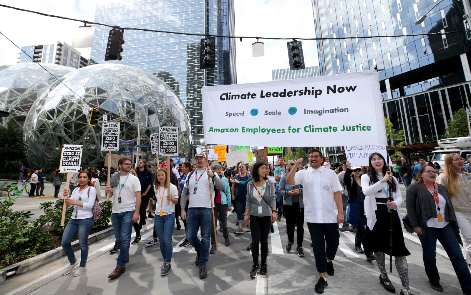 Amazon workers risk their jobs to attack the company over climate policies