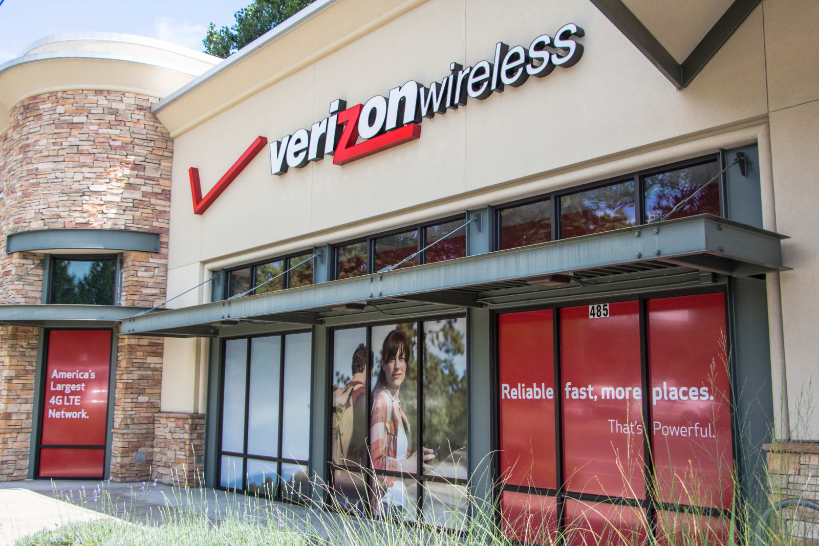 Verizon will fix your smartphone's screen for $29