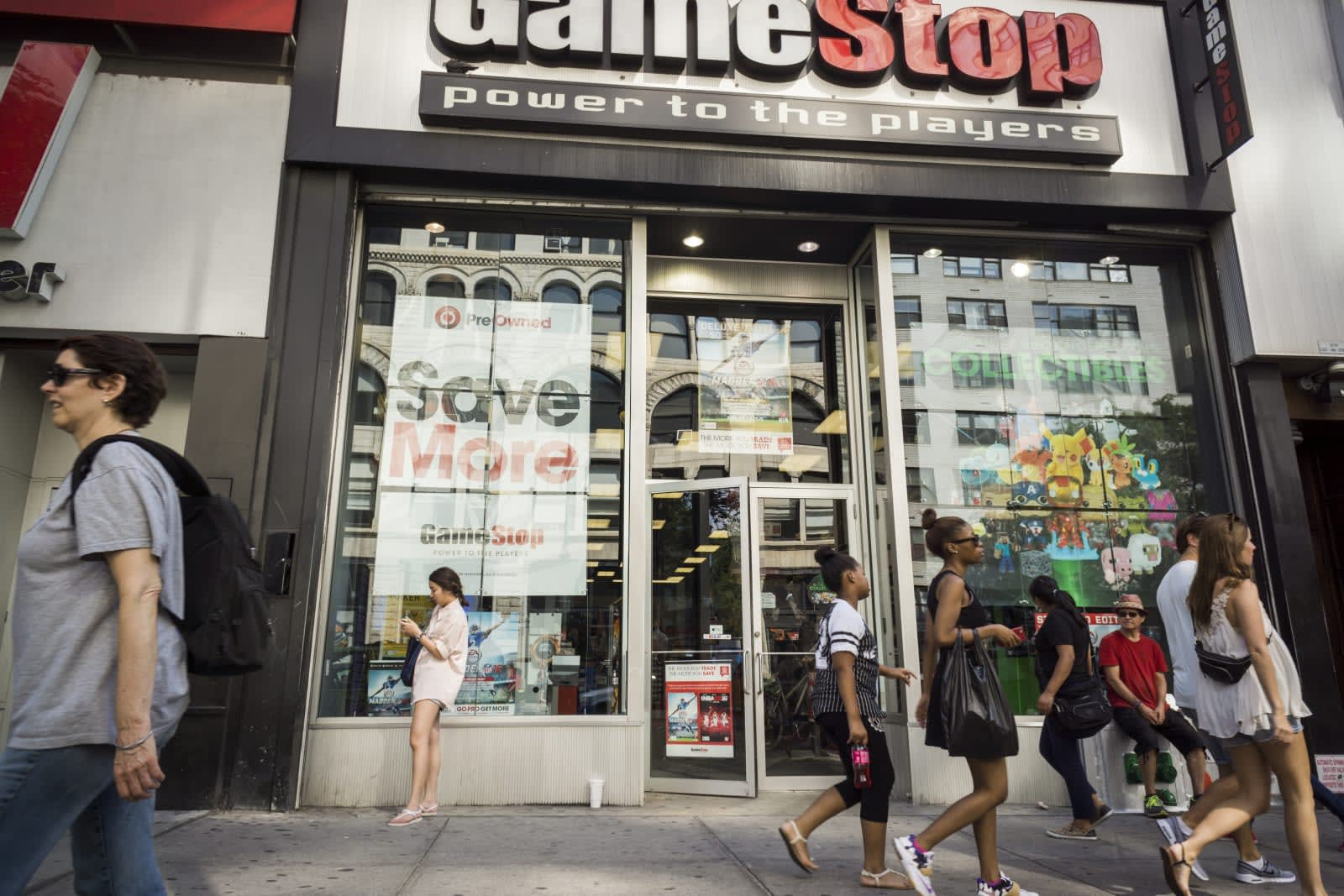 Gamestop Midnight Release List 2020.Gamestop Hopes Renovations Will Keep Its Retail Stores Alive