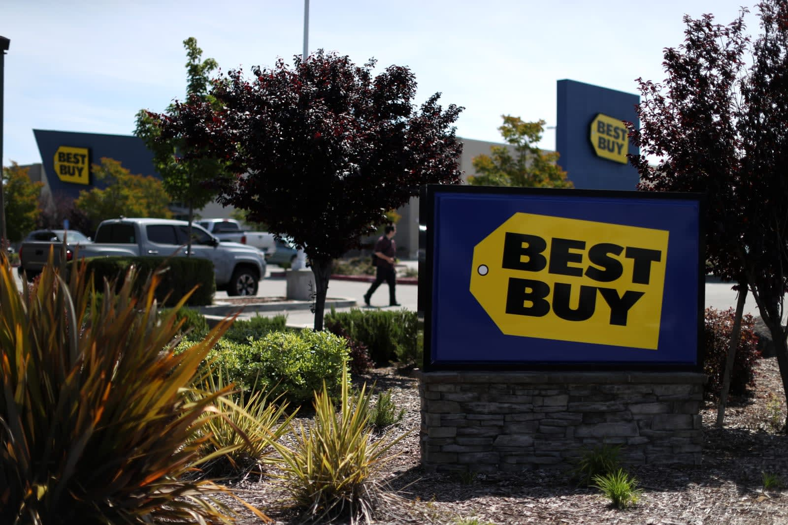 Best Buy stores will soon offer Apple-certified repairs