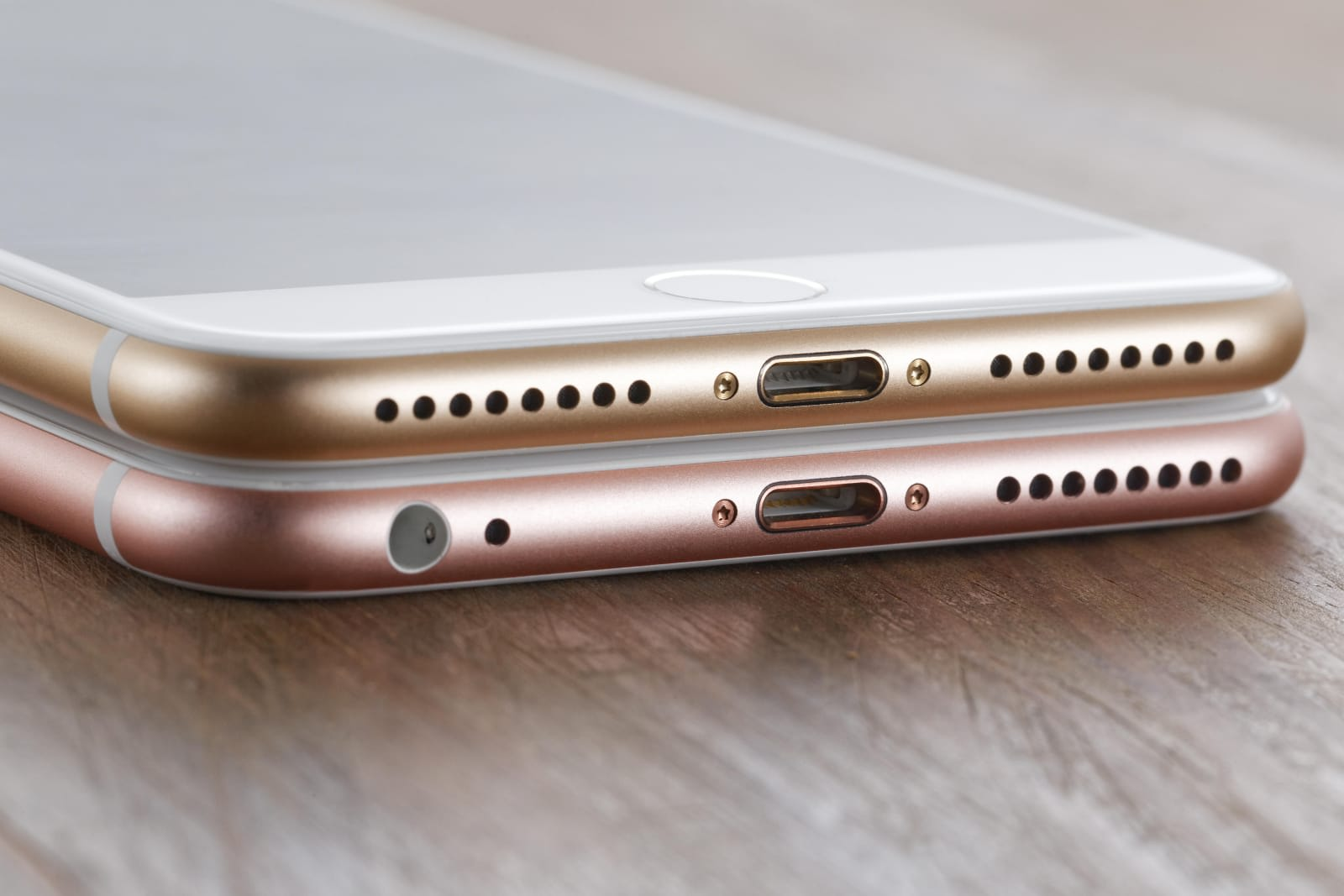 low priced 04408 72775 Apple just killed the iPhone's headphone jack for good