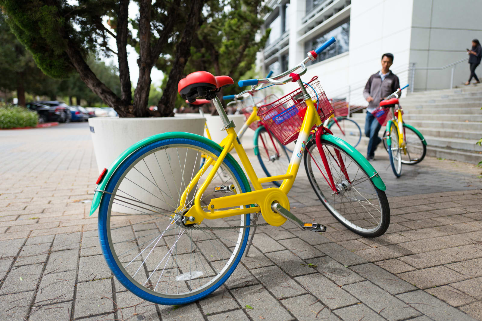 Google uses GPS and smart locks to secure wayward campus bikes