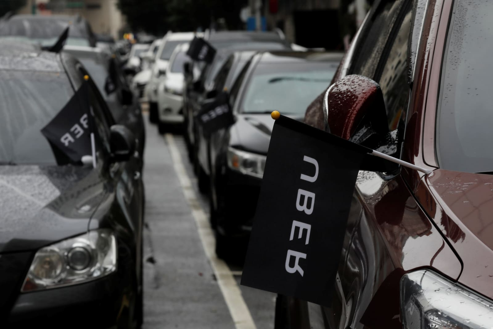 Uber Car Lease >> Uber Is Offloading Its Money Losing Car Lease Business