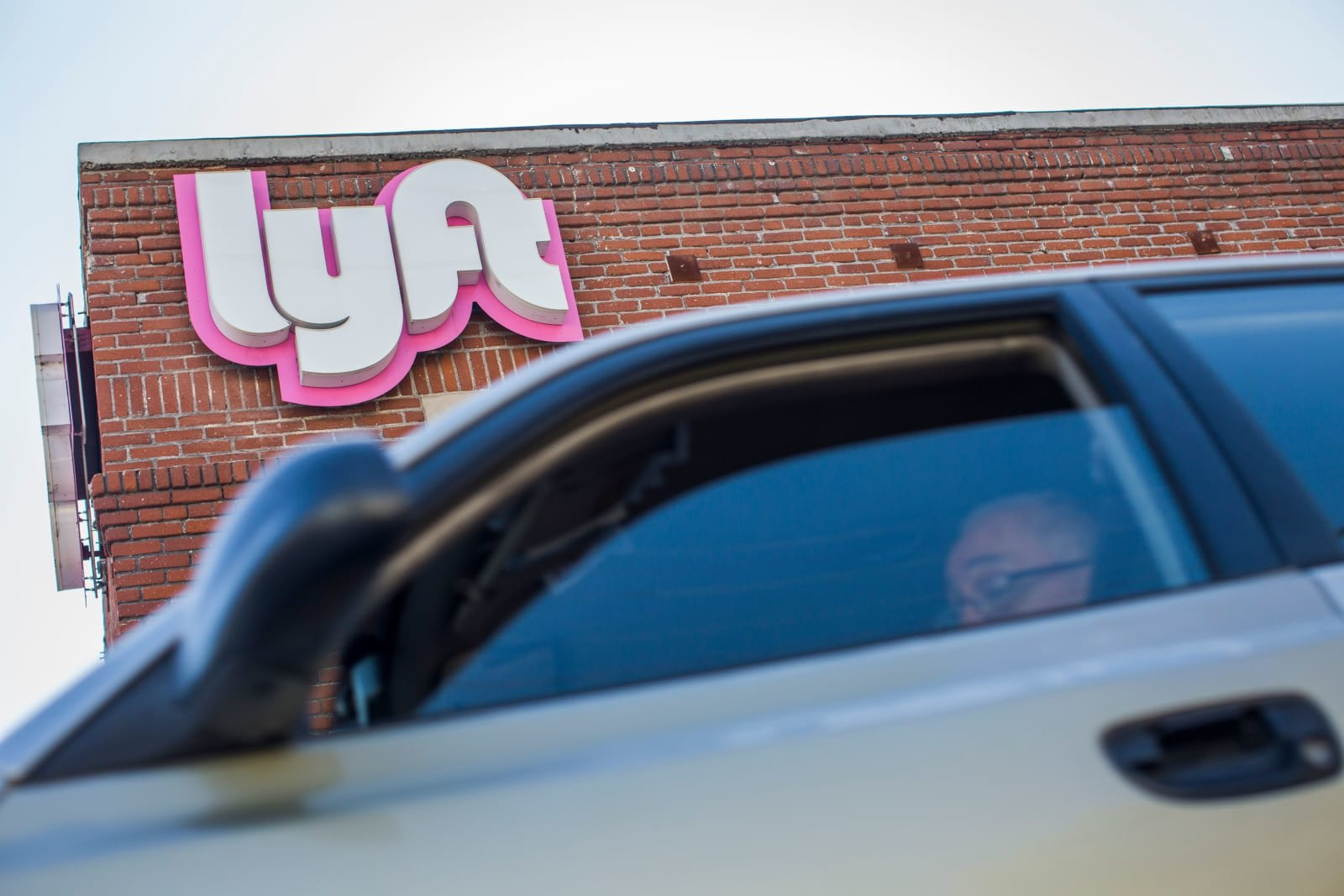 Lyft loses NYC lawsuit over minimum wage for drivers