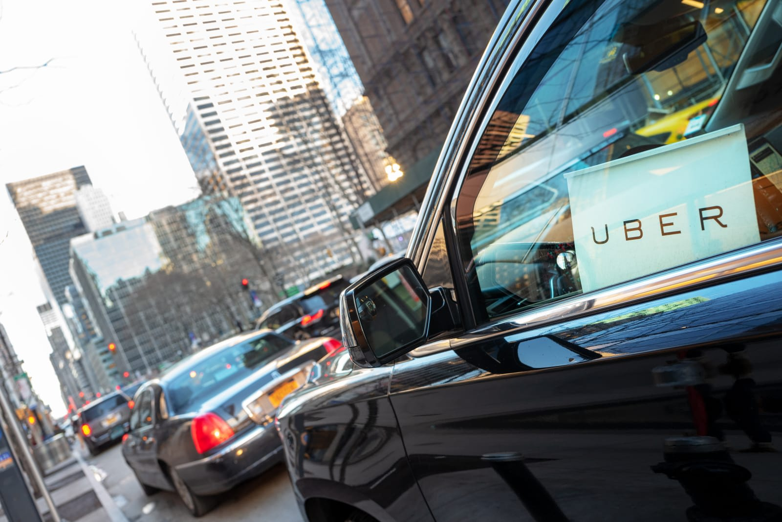 NYC extends its cap on Uber and Lyft vehicles