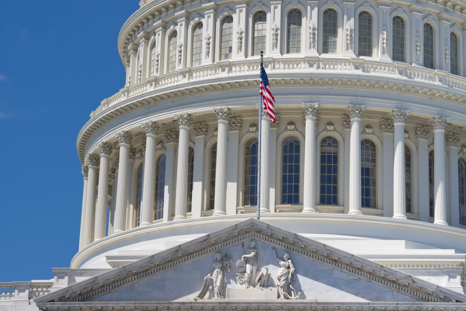 Senate bill would boost AI adoption in federal government