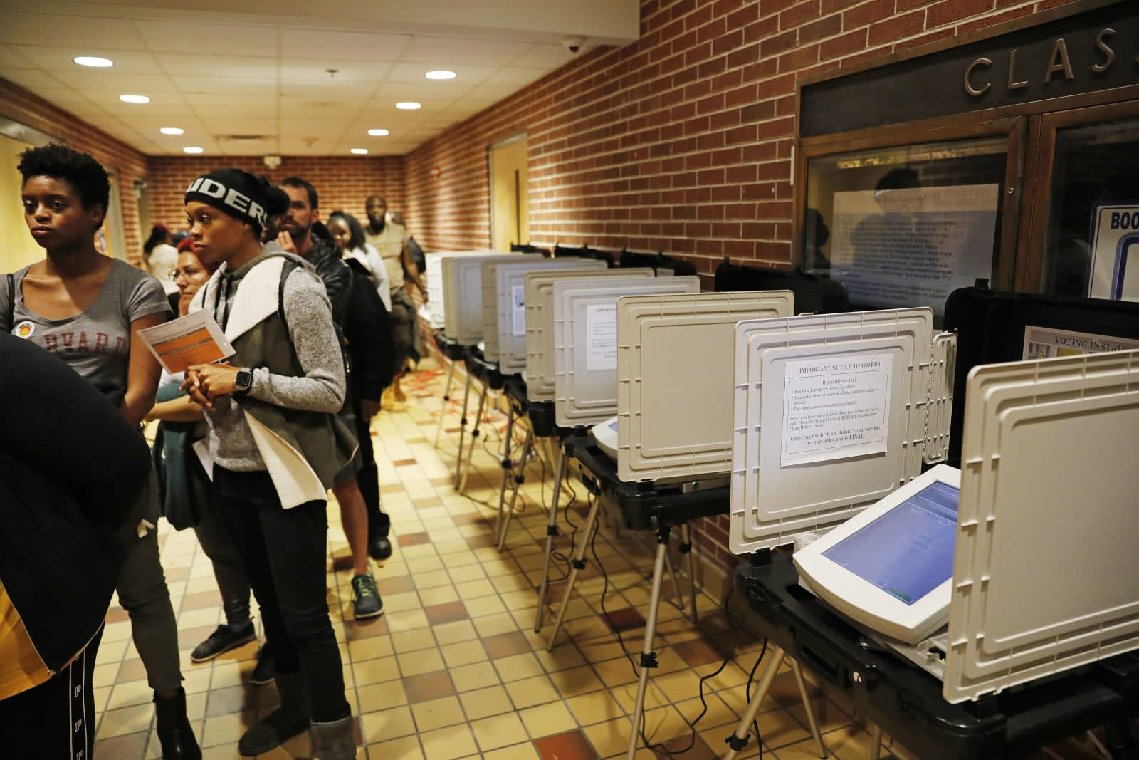Judge orders Georgia to ditch 'vulnerable' voting machines by 2020