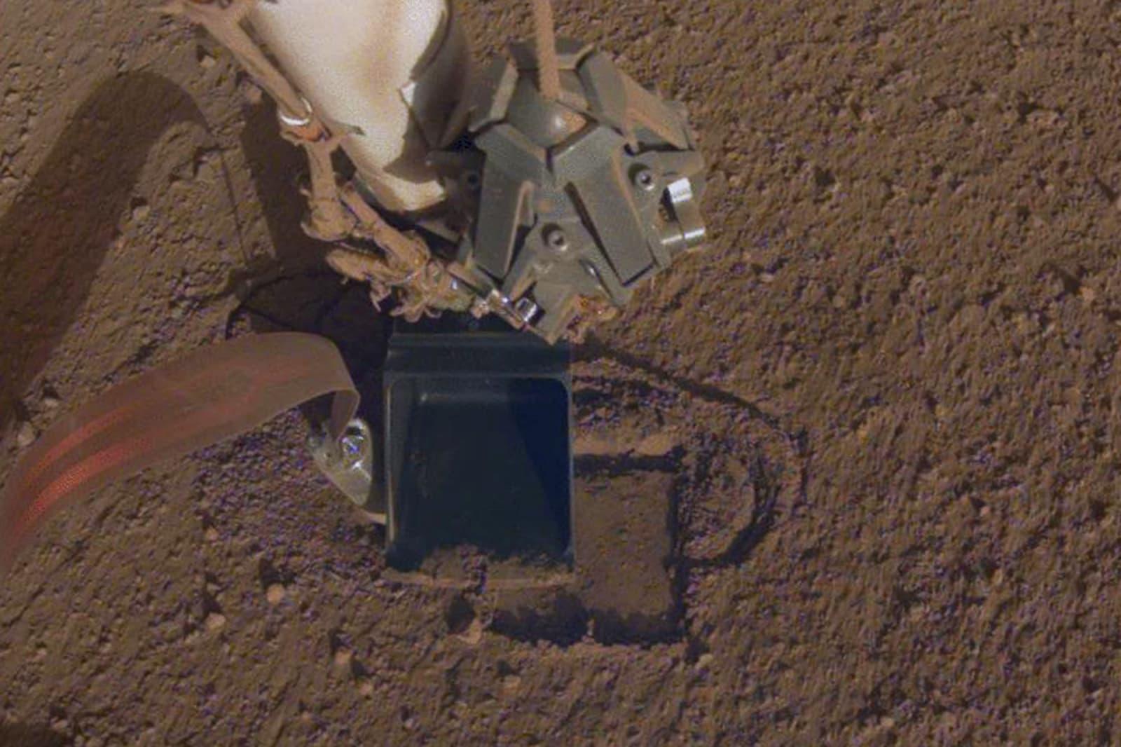 NASA's InSight lander can finally dig a hole for its Mars heat probe