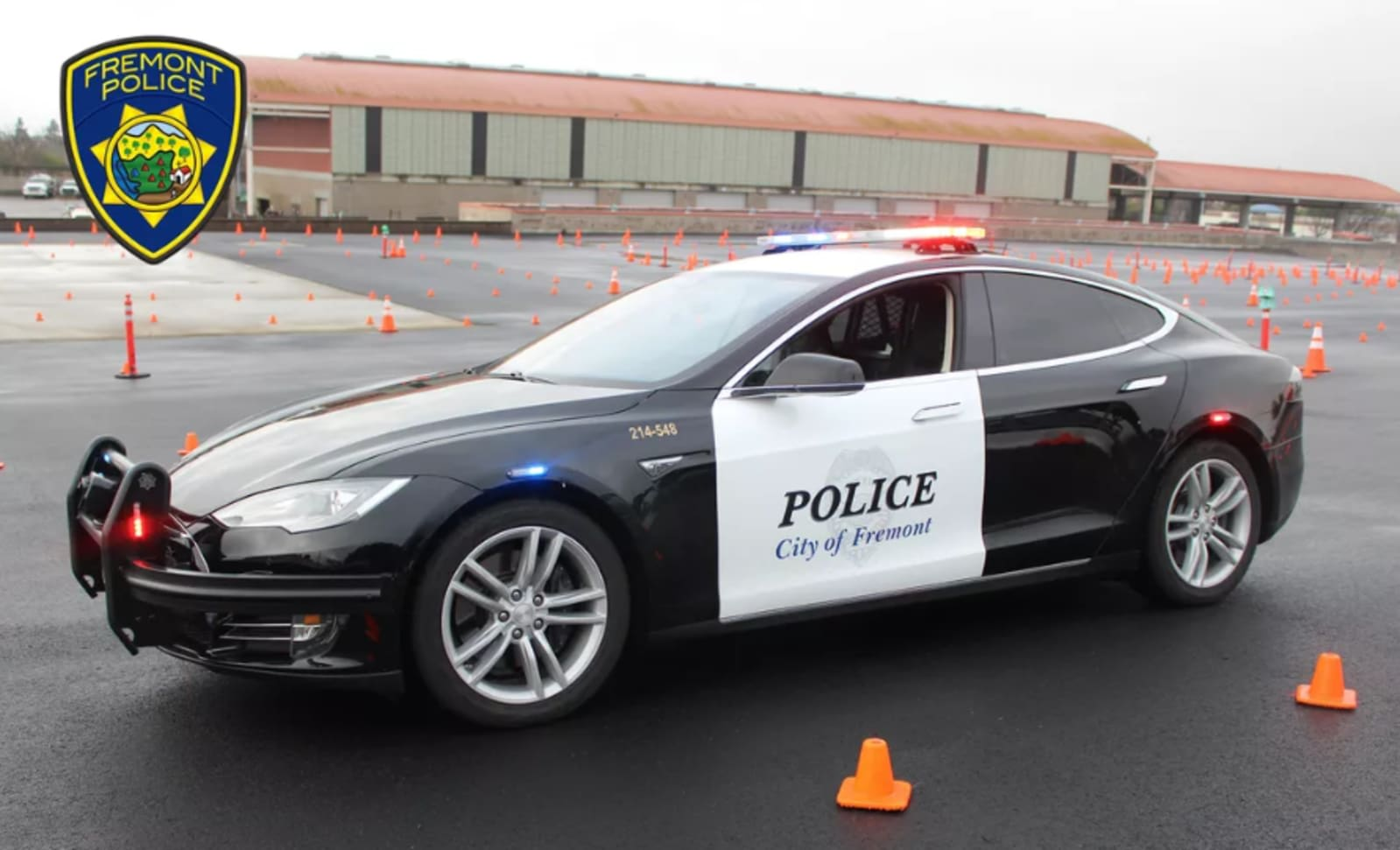 Turns out Tesla police cars run out of 'gas' mid-chase, too