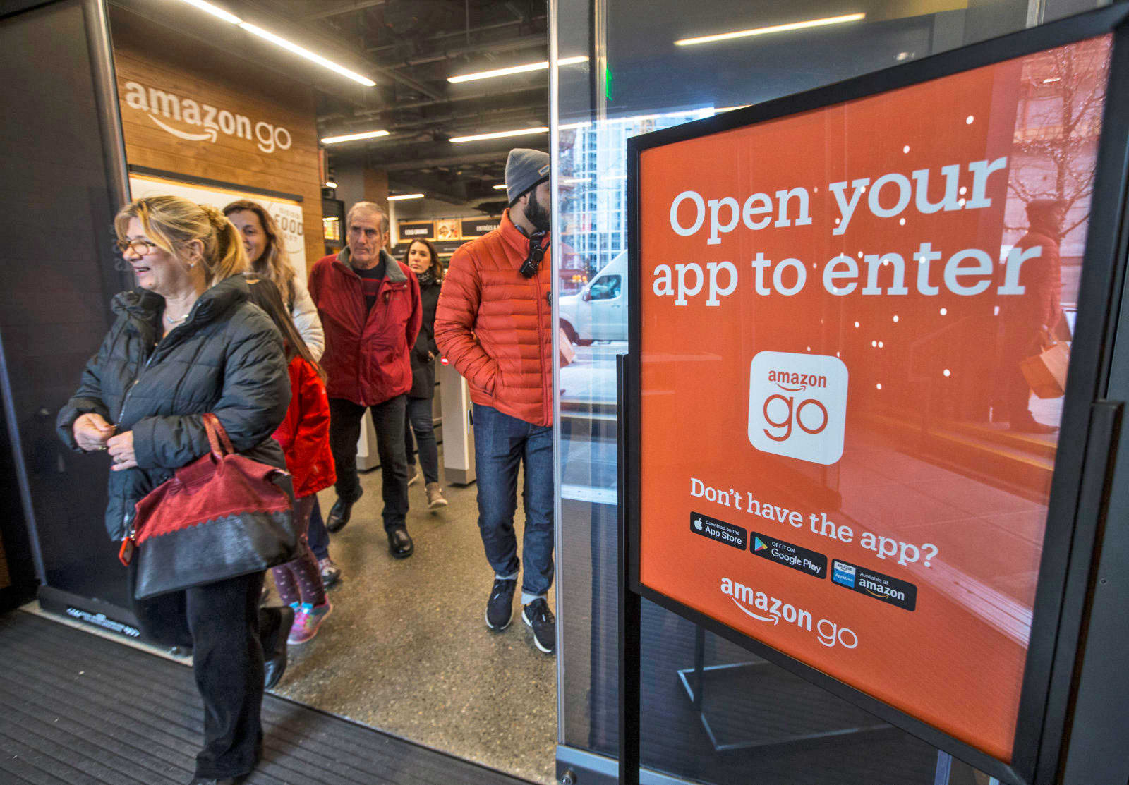 d3f28fd4af8fb9 Amazon opens its next cashier-less store in Chicago