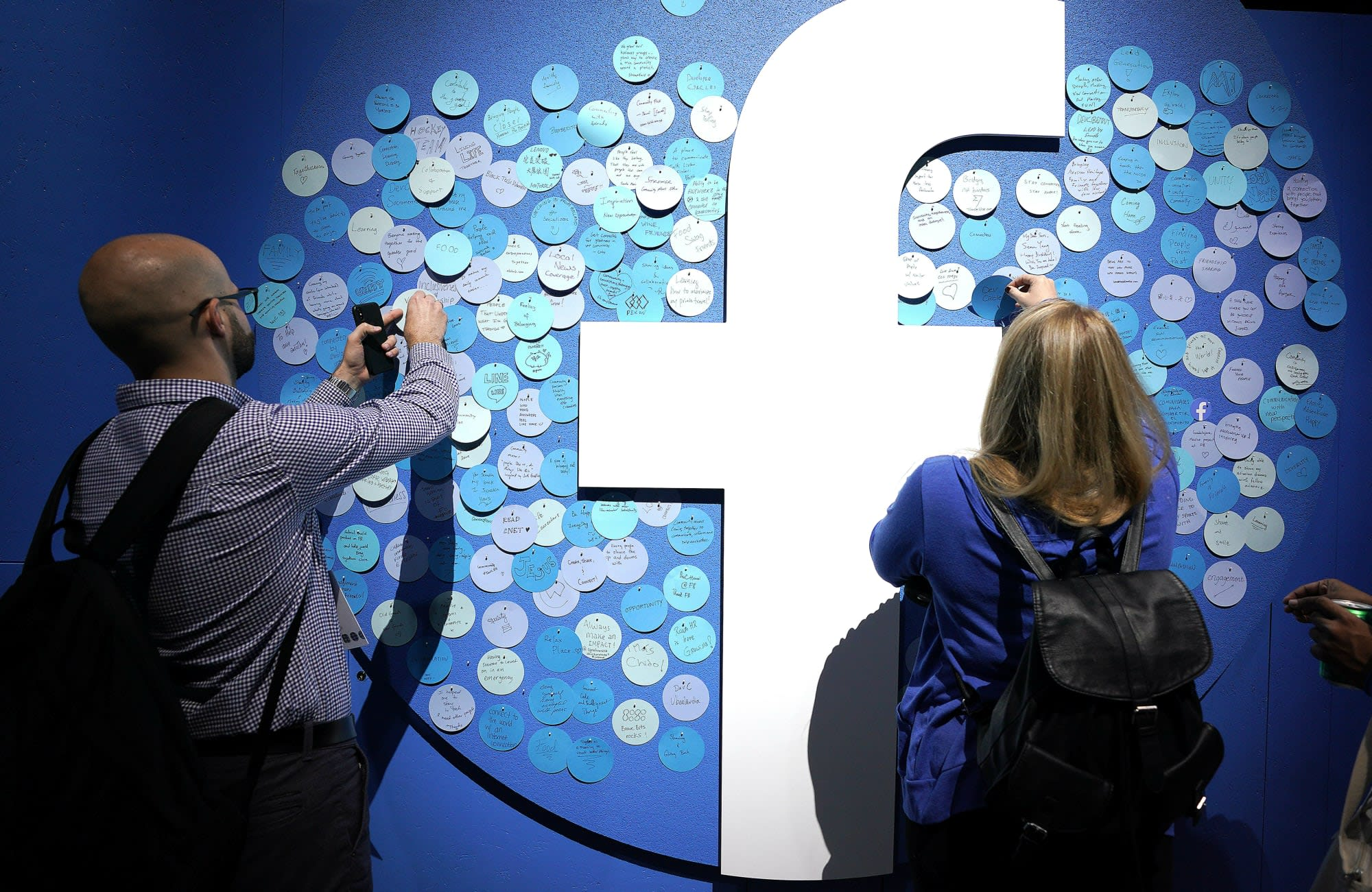Facebook's new data tool lets you transfer your media to Google Photos
