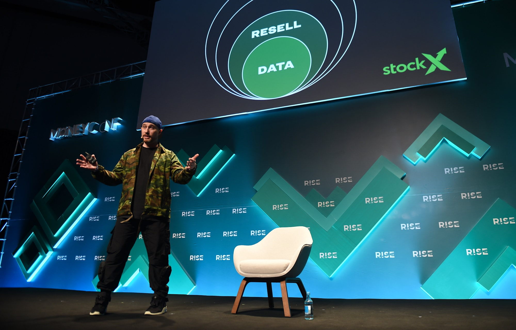 Online sneaker reseller StockX faces lawsuit over data breach