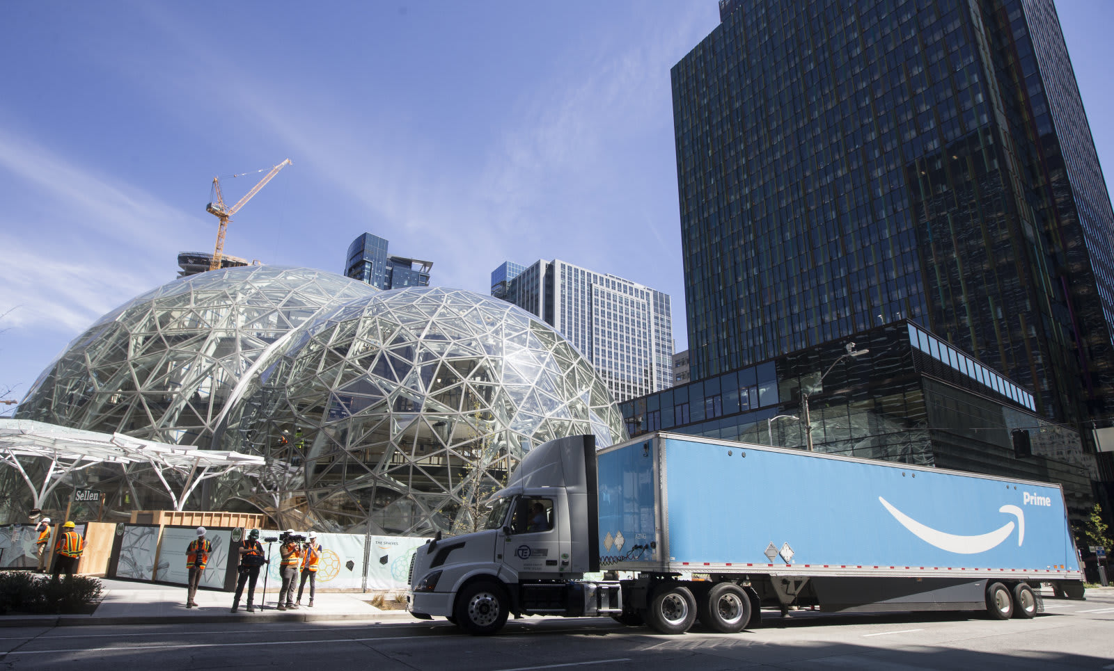 amazon s two new headquarters will only be half full of tech workers