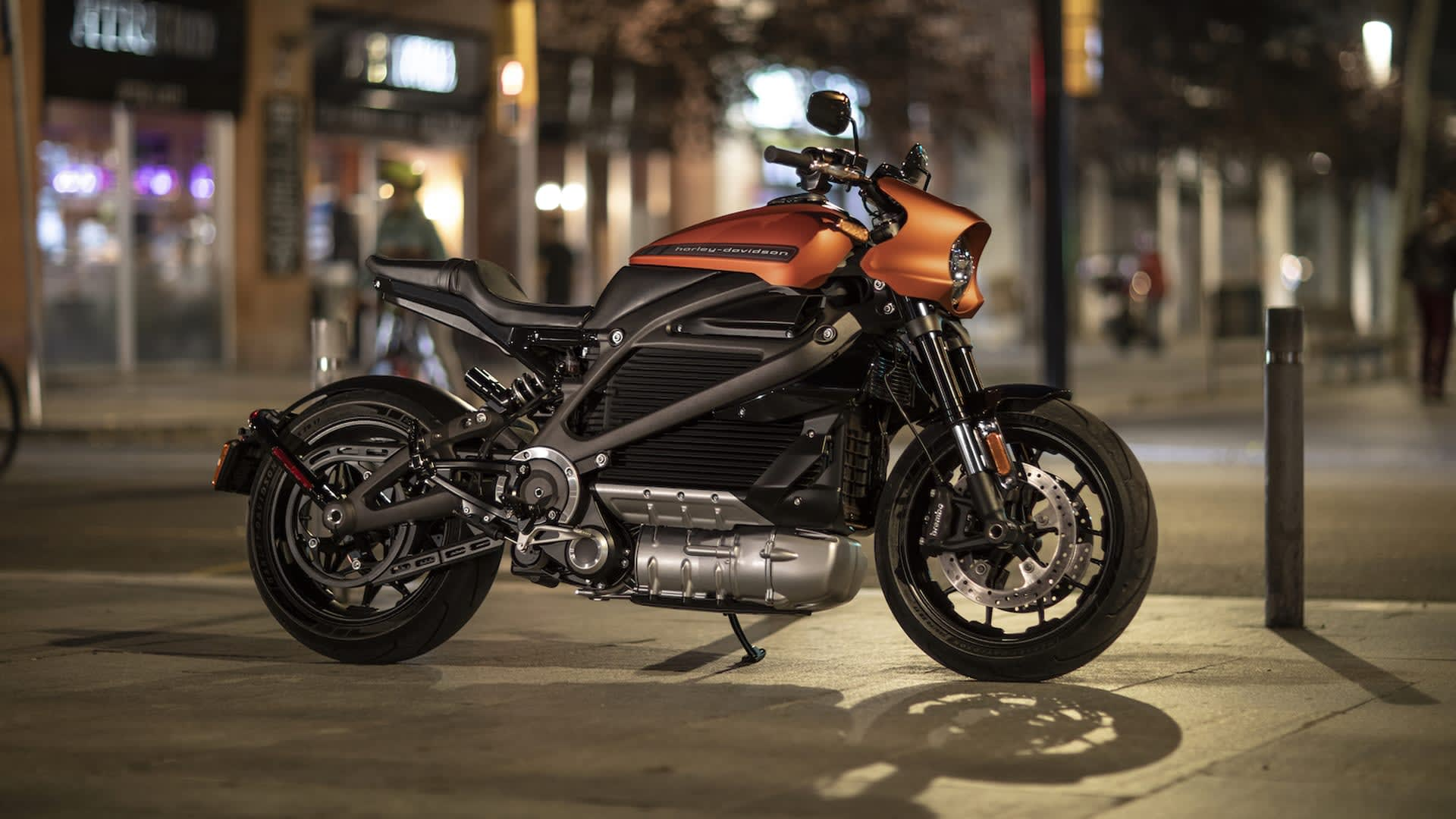 Live Wire Electric >> Harley Davidson Resumes Livewire Electric Motorcycle