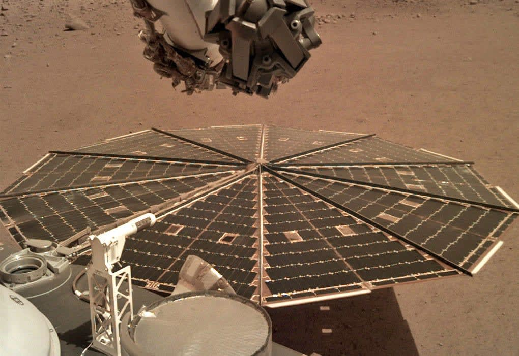 Hear the wind on Mars for the first time, thanks to the InSight lander