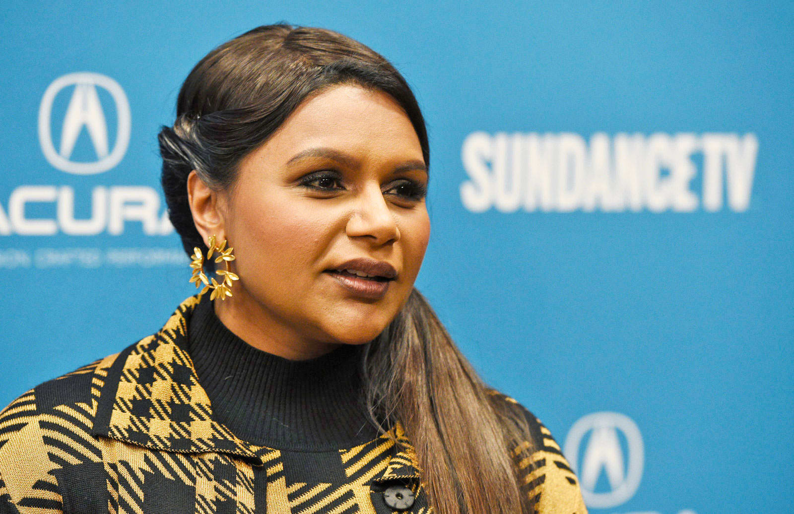 Amazon sets Sundance record by acquiring Mindy Kaling's 'Late Night'