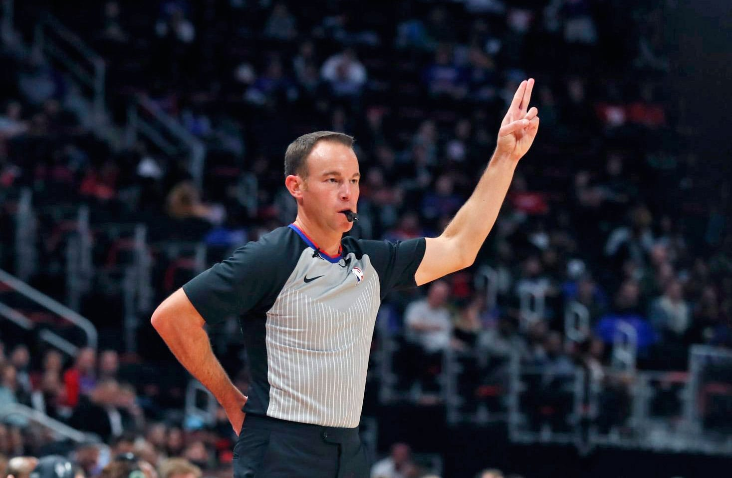 99a0d6603 NBA refs will return to Twitter to answer fans  questions