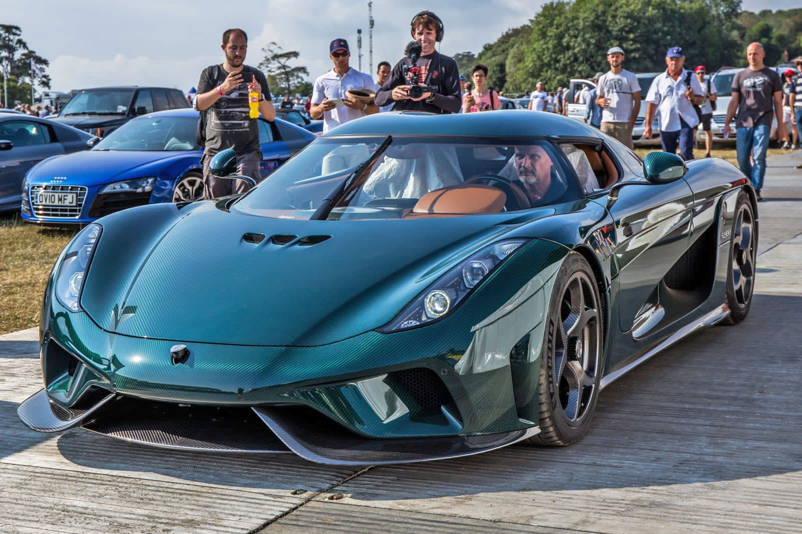Koenigsegg aims to build a 'CO2 neutral' combustion supercar