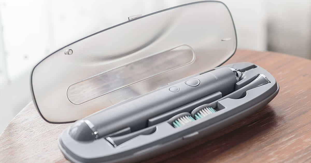 This $170 electric toothbrush set is only $40 today