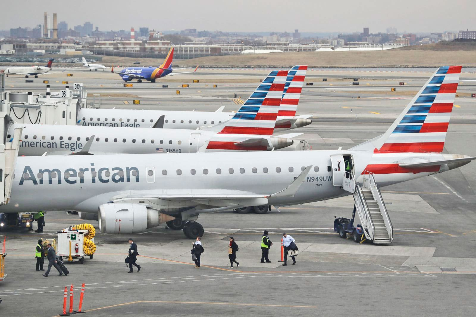 American Airlines offers satellite WiFi to its entire