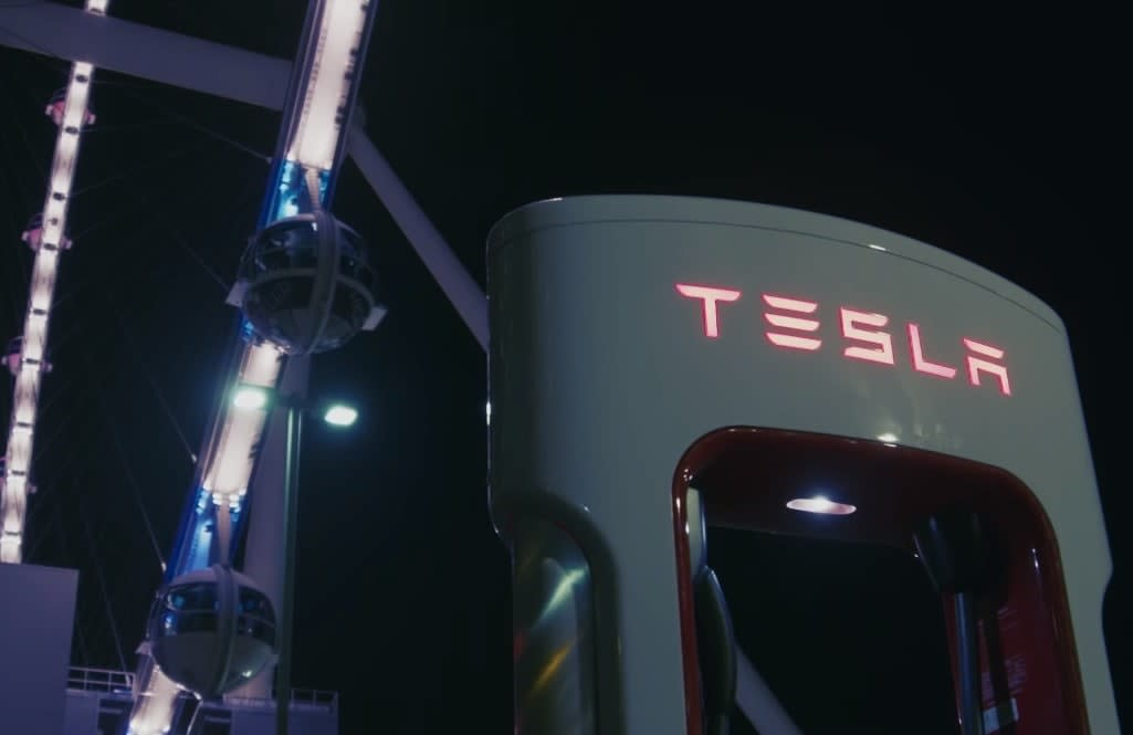 Tesla opens Vegas V3 Supercharger station powered by solar and battery
