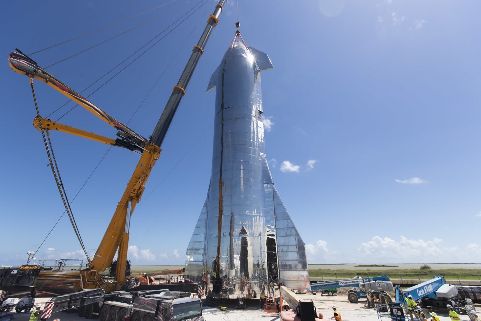 The Morning After: SpaceX blew the top off of a Starship