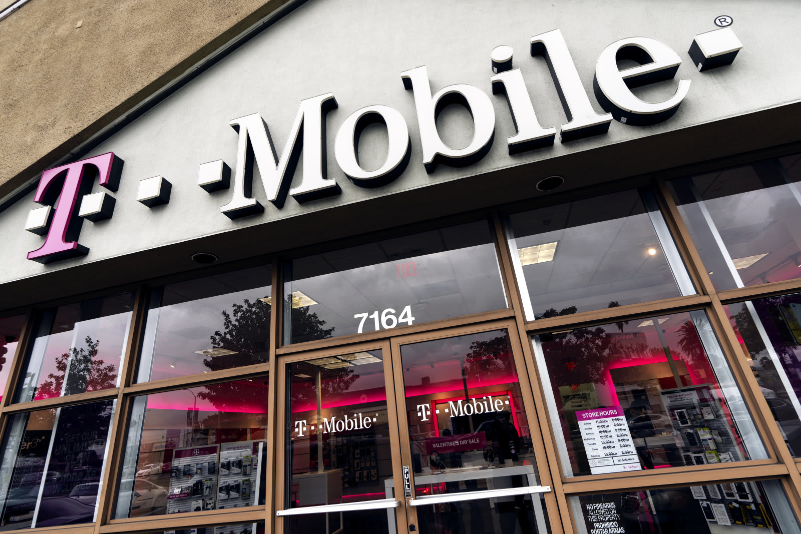 Best Prepaid Phone Plans 2020.T Mobile Teases 15 5g Plan And Other Post Merger