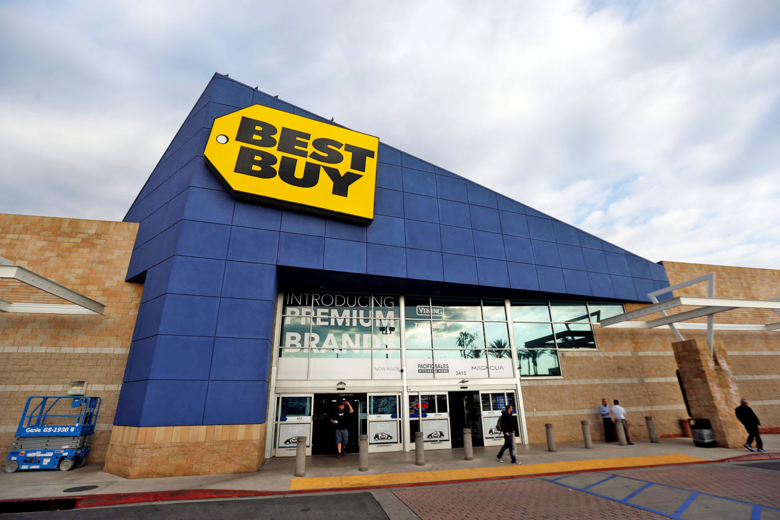 best buy will stop cd sales as digital music continues to take over. Black Bedroom Furniture Sets. Home Design Ideas
