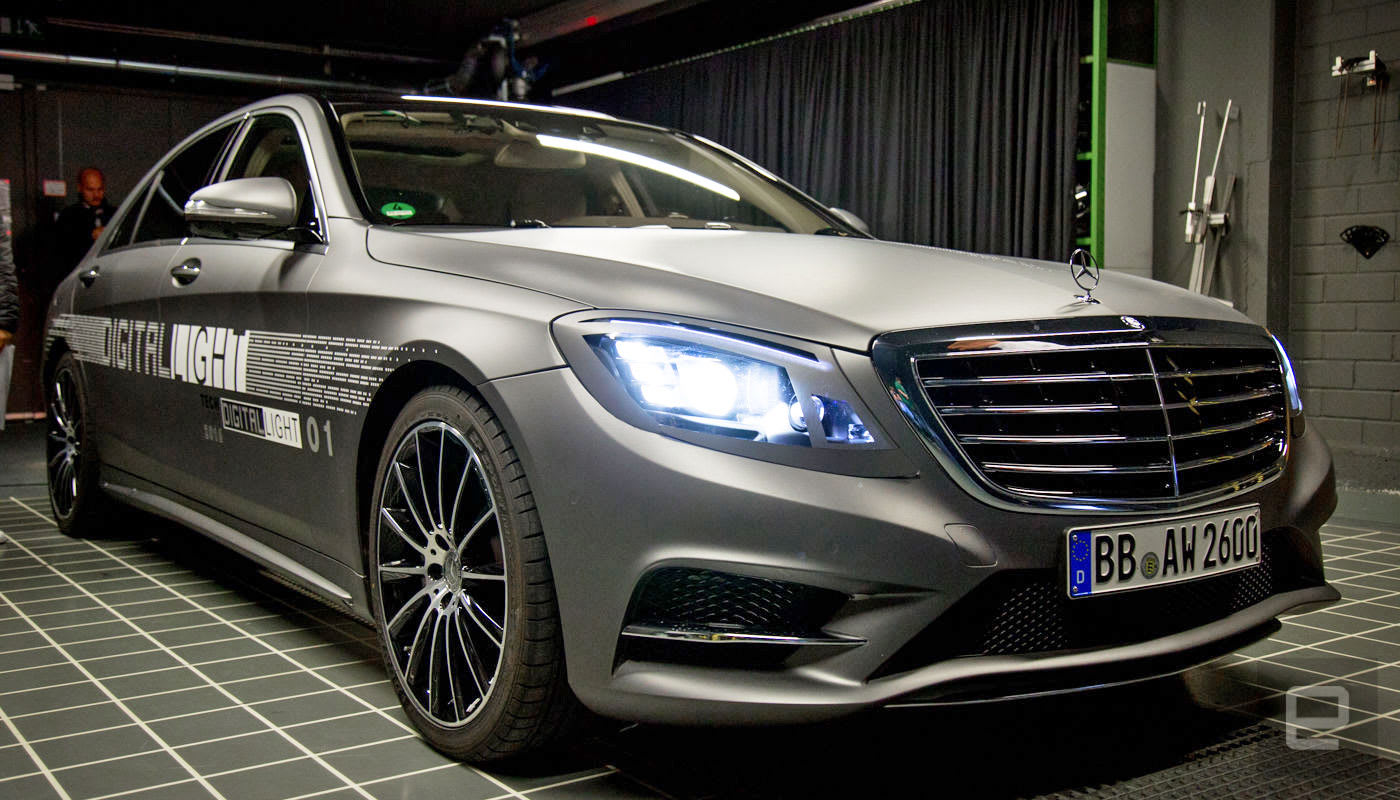 Headlights For Cars >> Mercedes Is Building Smarter Headlights For Its Cars Of The Future