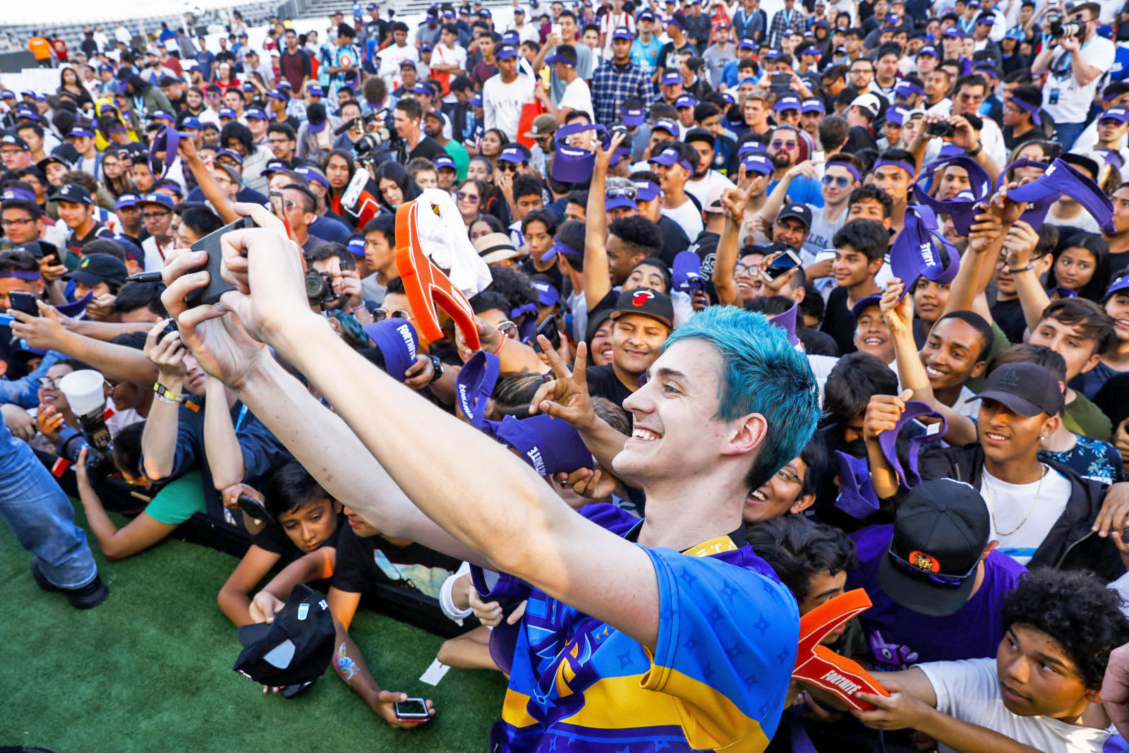 fortnite streamer ninja is the first to 10 million twitch followers - pokemon streamer fortnite