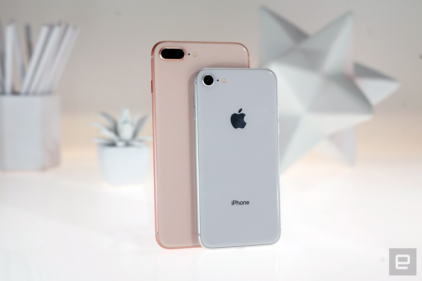size 40 06843 4cb37 The iPhone 8's glass back costs way more to repair than the front