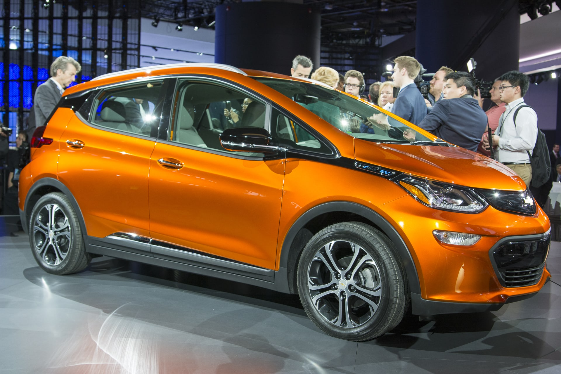 Chevy Bolt Availability >> Chevy Bolt Ev Goes On Sale Nationally A Month Early Engadget