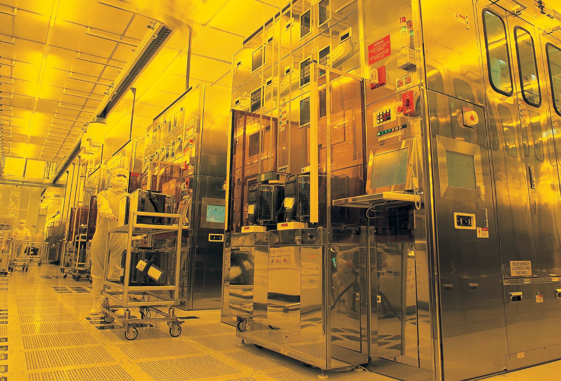 Apple chip-maker TSMC is building a $12 billion plant in Arizona ...