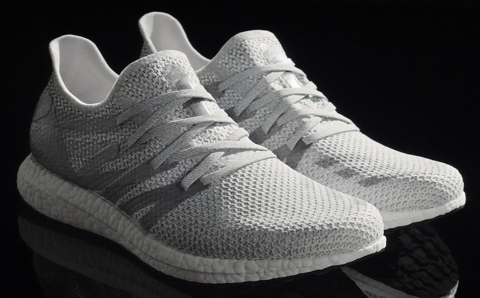 mezcla Silenciosamente Unirse  Adidas shows off the first shoe made at its robot factory | Engadget