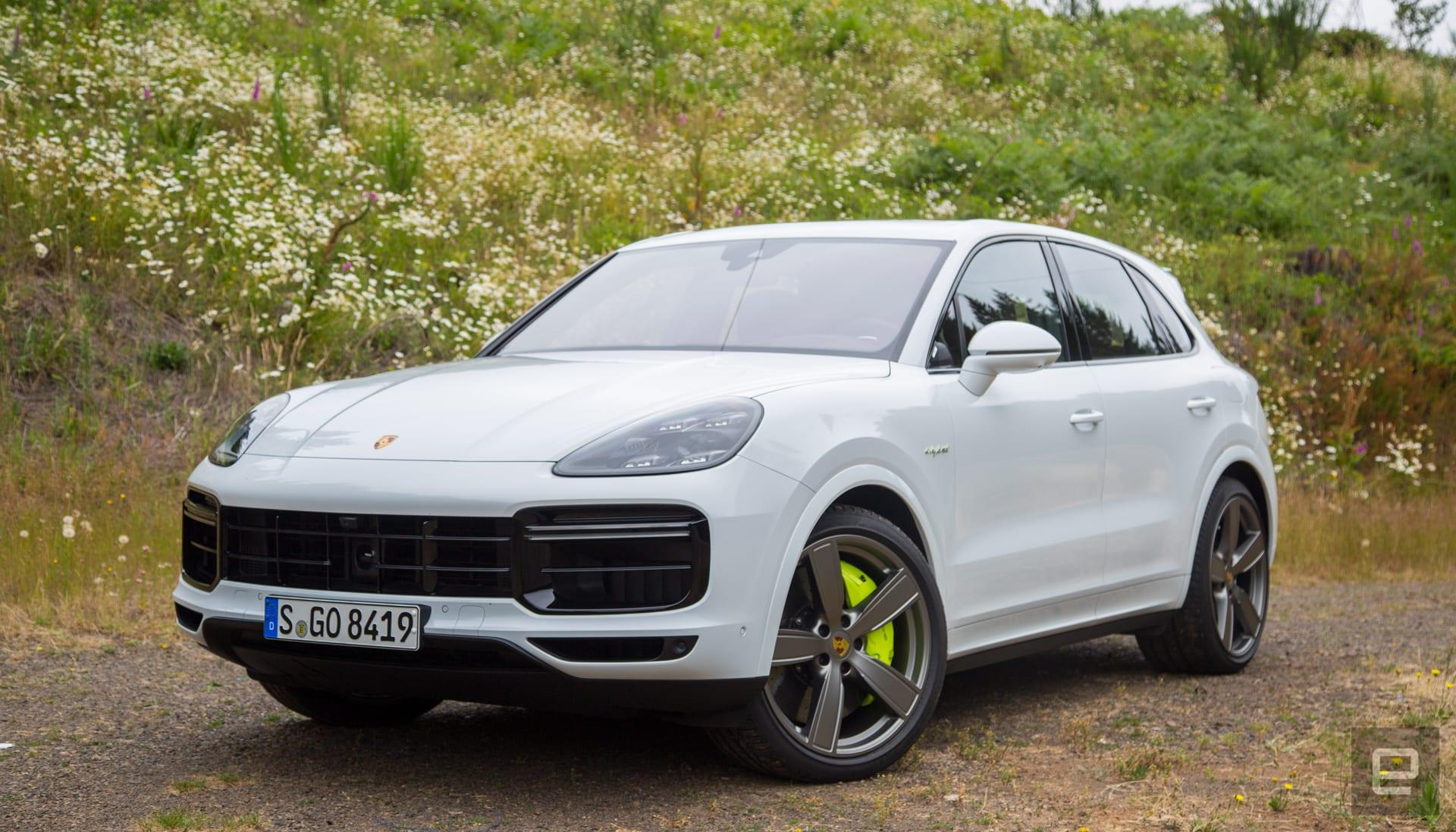 Porsche S Cayenne Turbo S E Hybrid Makes A Quick Suv Even Quicker Engadget