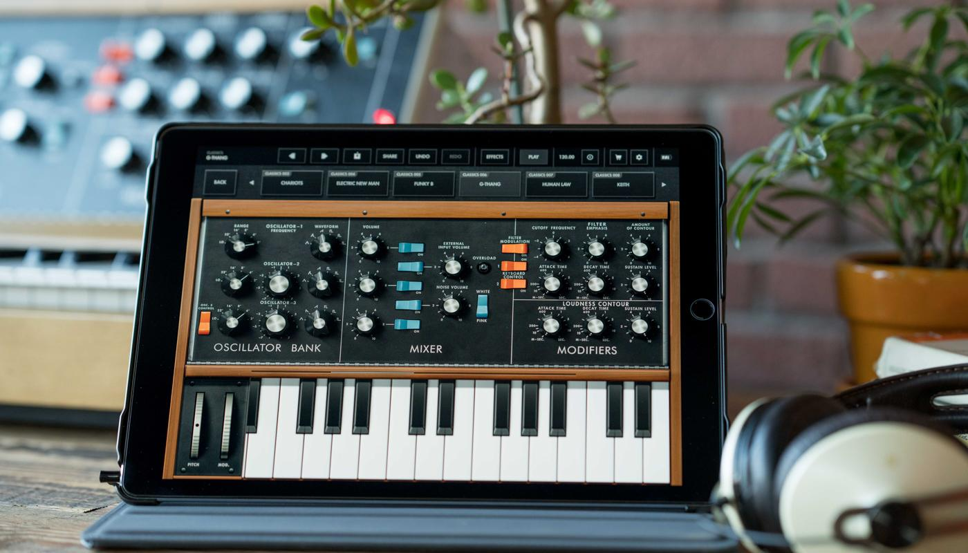 The revolutionary Minimoog Model D synth is now available as an iOS app |  Engadget