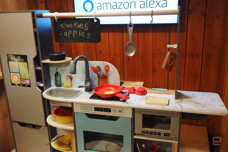 Kidkraft S Alexa Powered Toy Kitchen Sizzles And Tells Dad Jokes Engadget