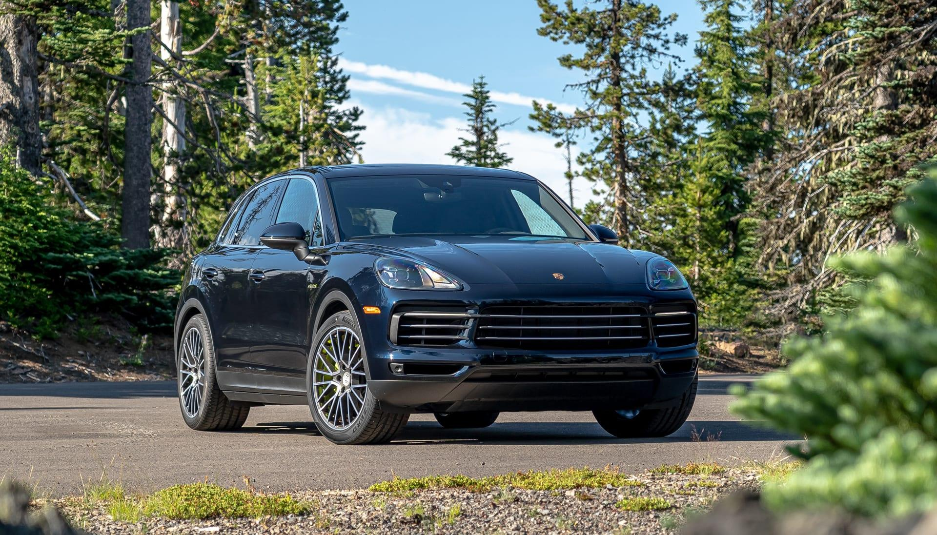 Porsche S Cayenne E Hybrid Is The Company S Just Right Suv Engadget