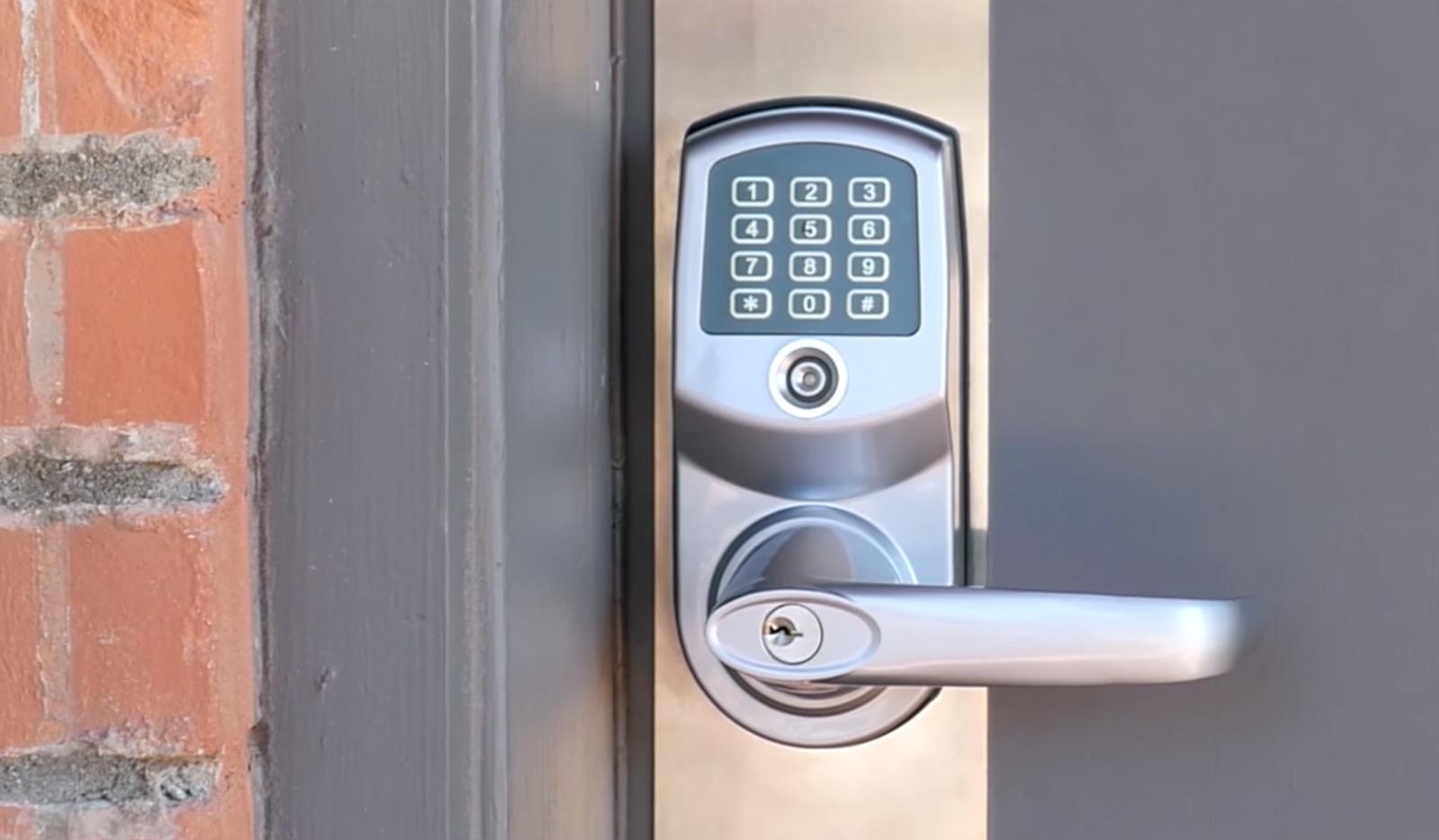 Smart locks rendered dumb by automatic update fail | Engadget
