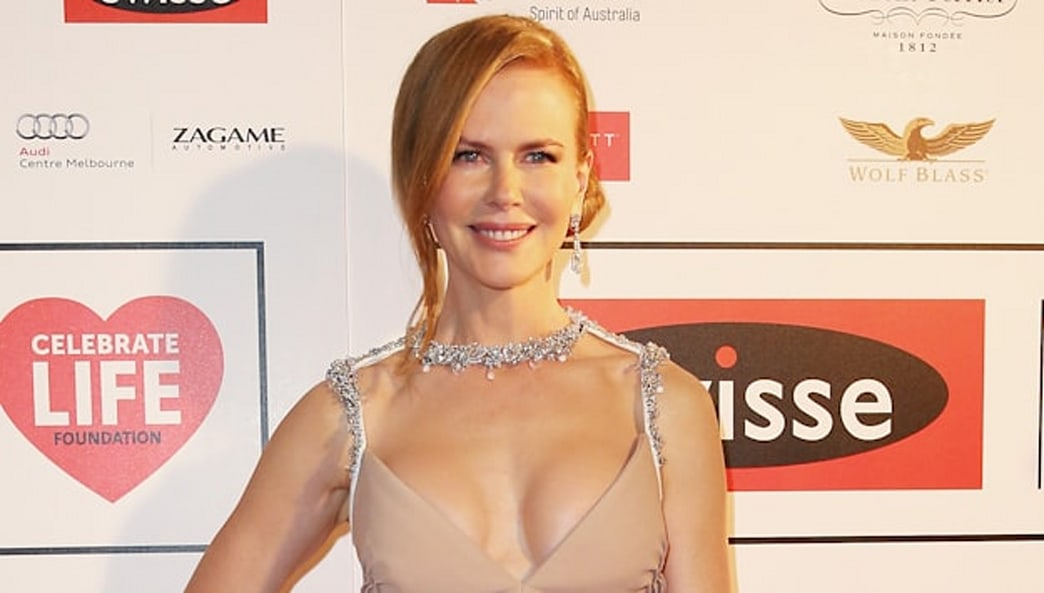 Top 9 at 9: Nicole Kidman reveals cleavage in a stunning Prada gown