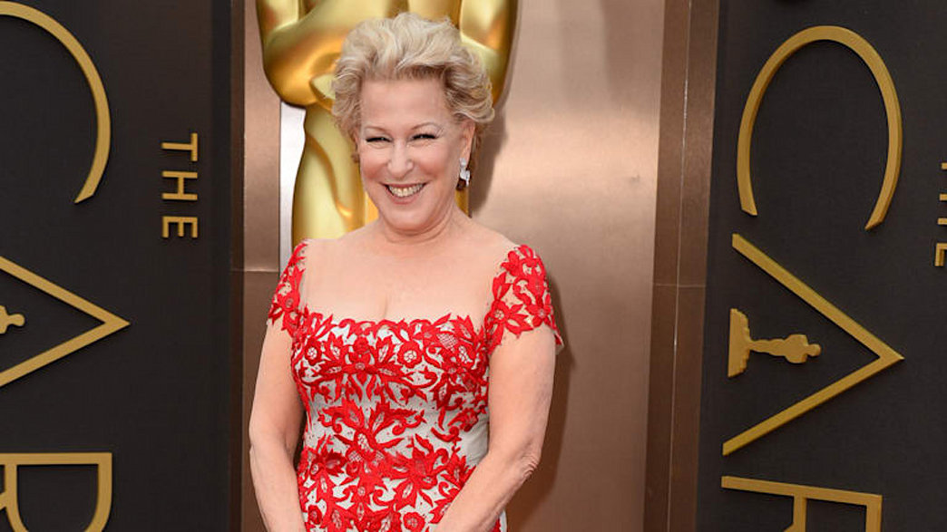 Bette Midler makes her red carpet debut at the Oscars