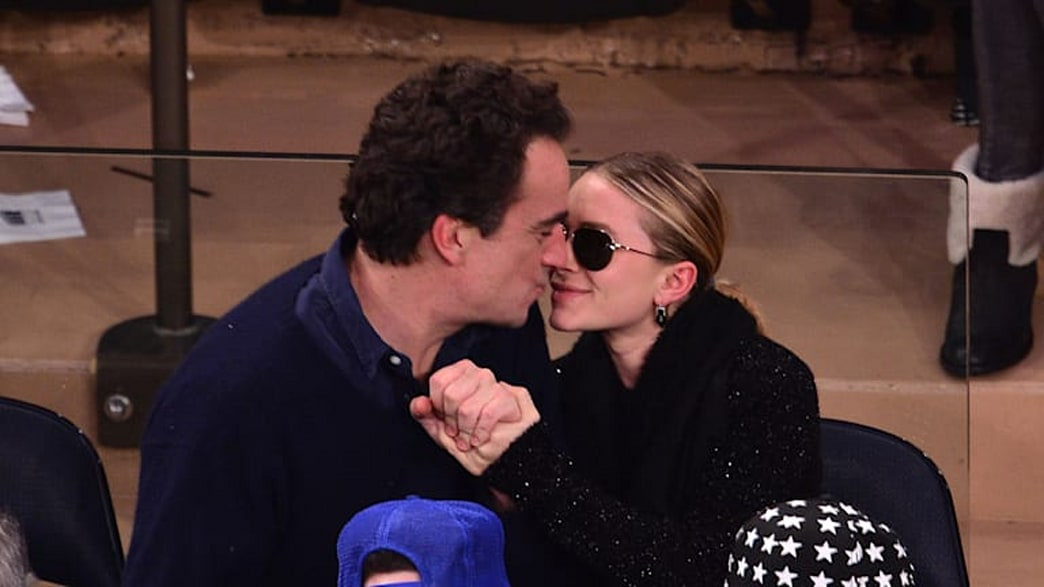Top 9 at 9: Mary-Kate Olsen's $81,000 engagement ring, Prince Harry and Cressida Bonas news, and more